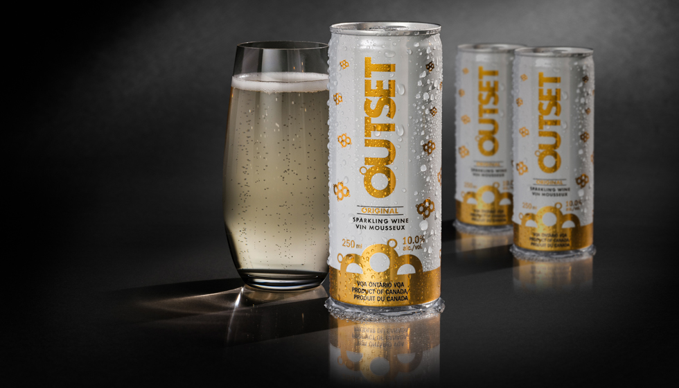 New Outset sparkling wine 250ml can design in gold and white.